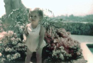 lisa_marie_presley__baby_pool_graceland