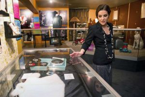 lisa_marie_presley_graceland_exhibit_daughter